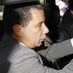Former Governor David Paterson pays his cab fare with a credit card, thanks to a new audio program to protect blind people. (New York Post)